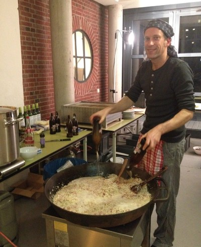 Making a special beer-risotto for 80 people at Kunstverein Hamburg